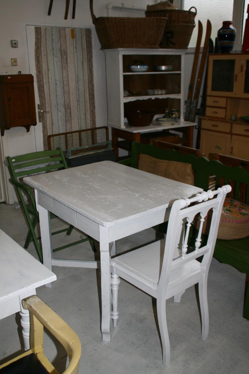 wei er shabby chic tisch villa sch nsinn depot. Black Bedroom Furniture Sets. Home Design Ideas