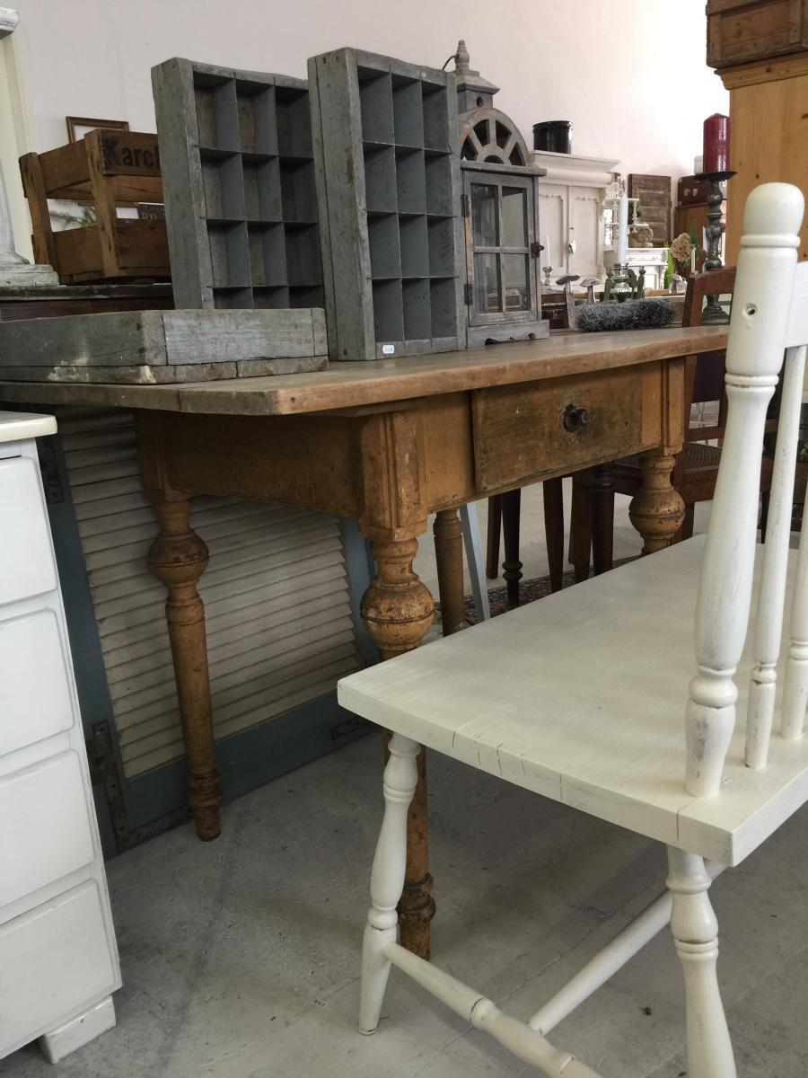 Tisch *Charlotte* | Villa Schönsinn. Atelier, mehr Wohnen.